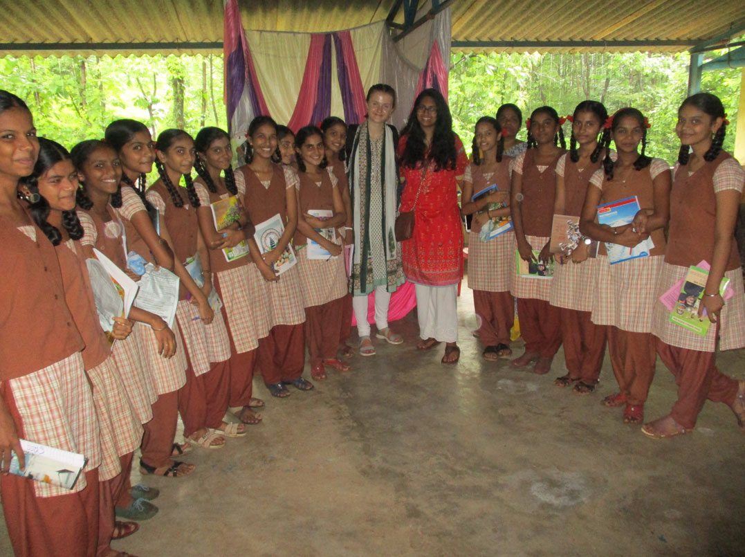 Ujjval Bhavishya ki Rachna (Creating A Bright Future)